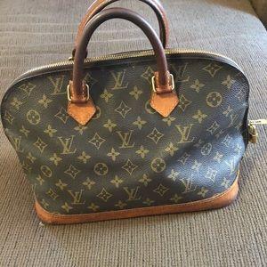 Louis Vuitton Alma Handbag(Authentic)